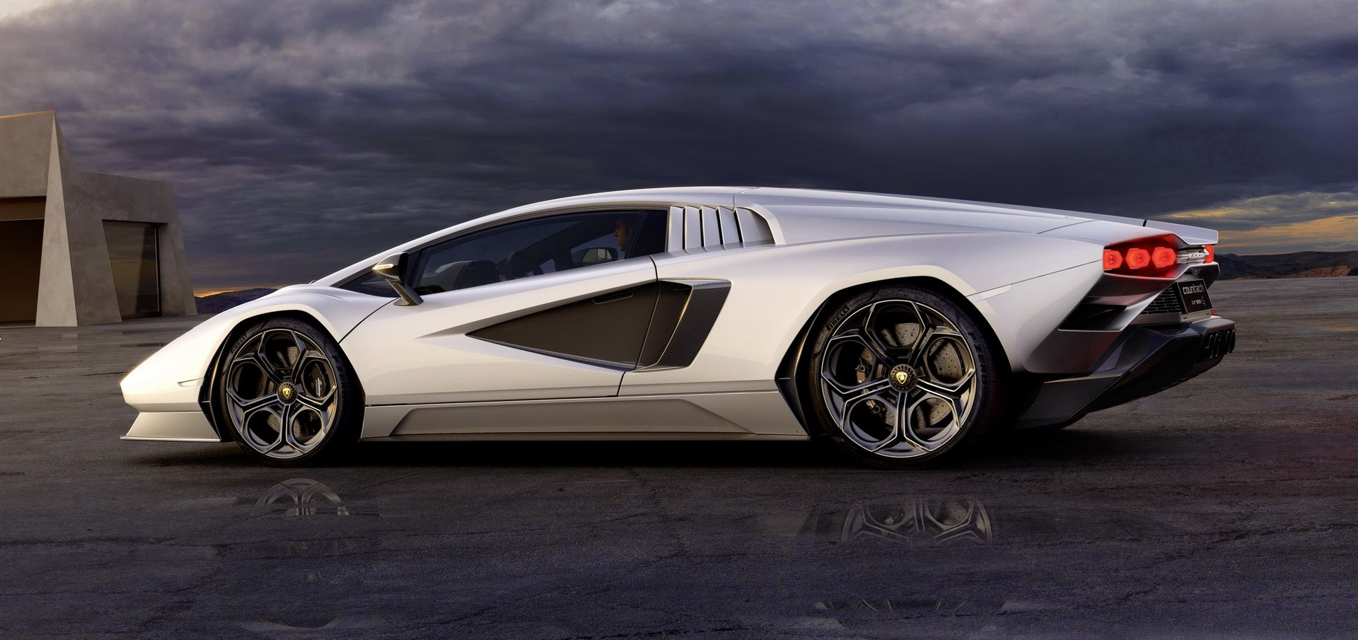 Lamborghini-Countach-LPI-800-4-34