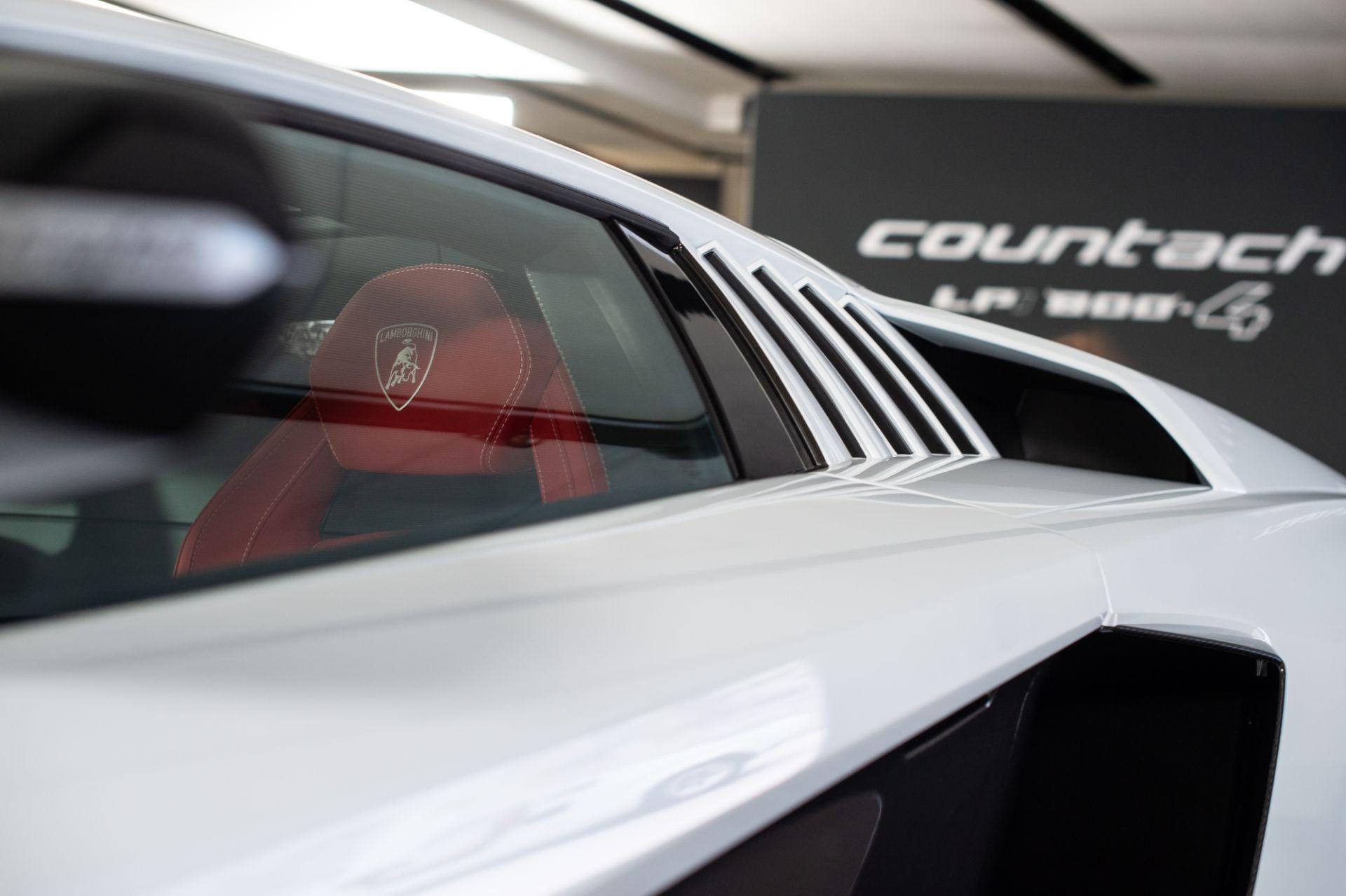Lamborghini-Countach-LPI-800-4-39