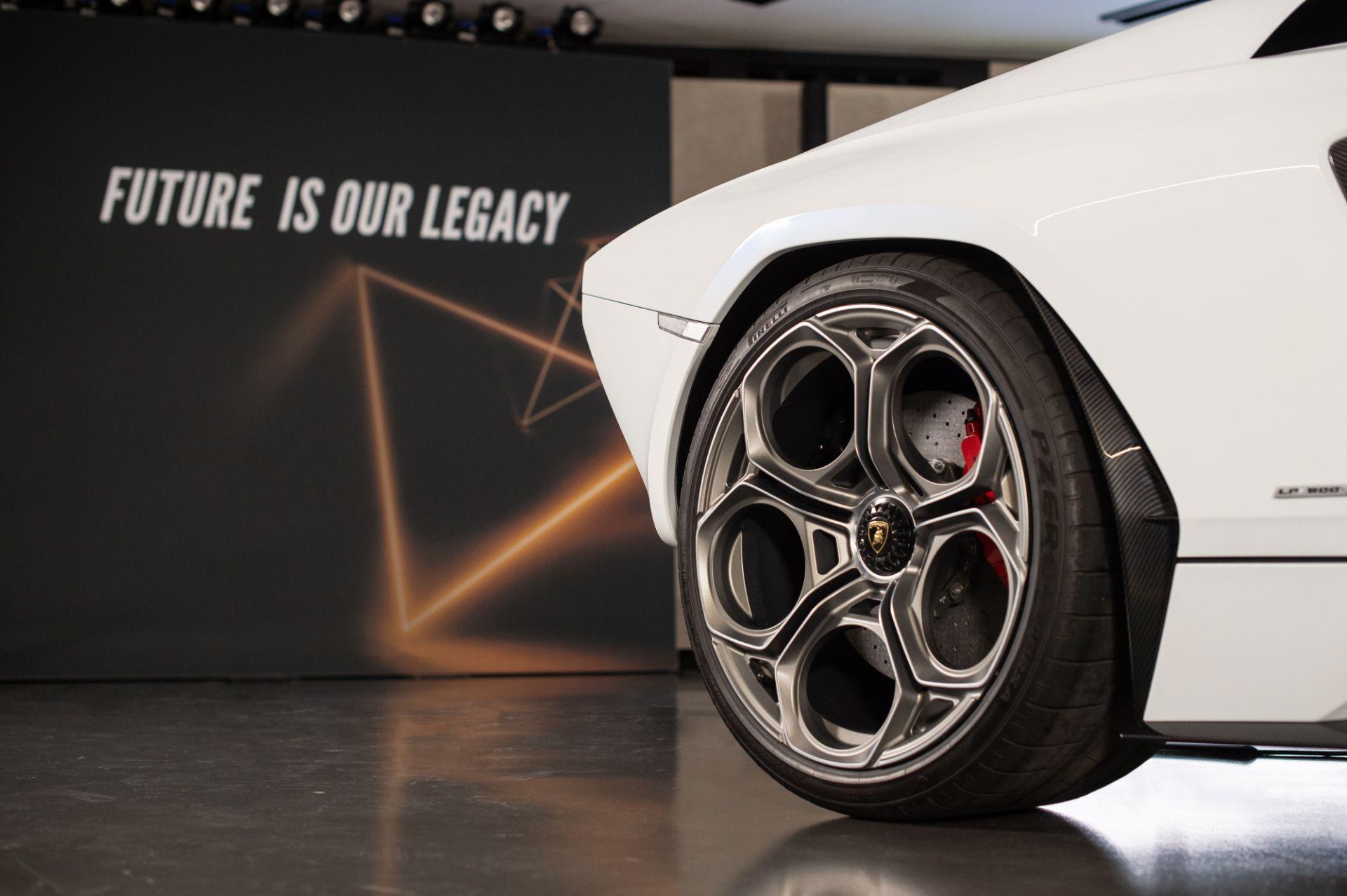 Lamborghini-Countach-LPI-800-4-41