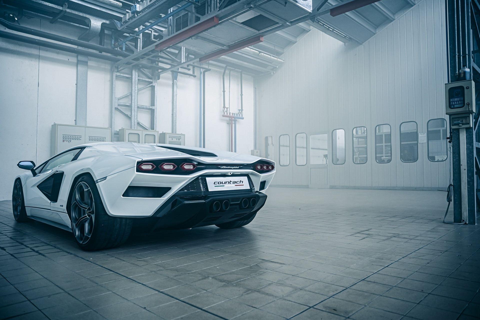 Lamborghini-Countach-LPI-800-4-43