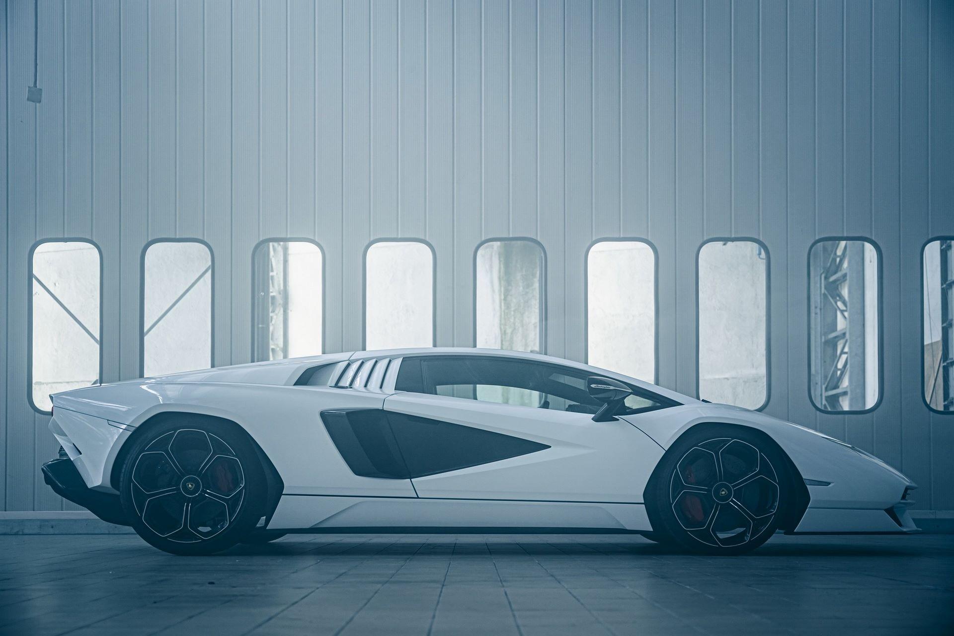 Lamborghini-Countach-LPI-800-4-44