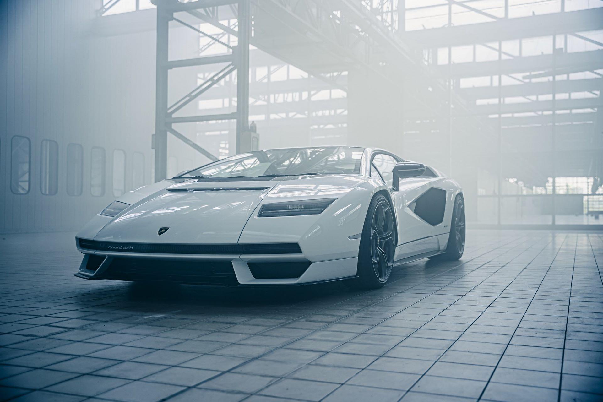 Lamborghini-Countach-LPI-800-4-45