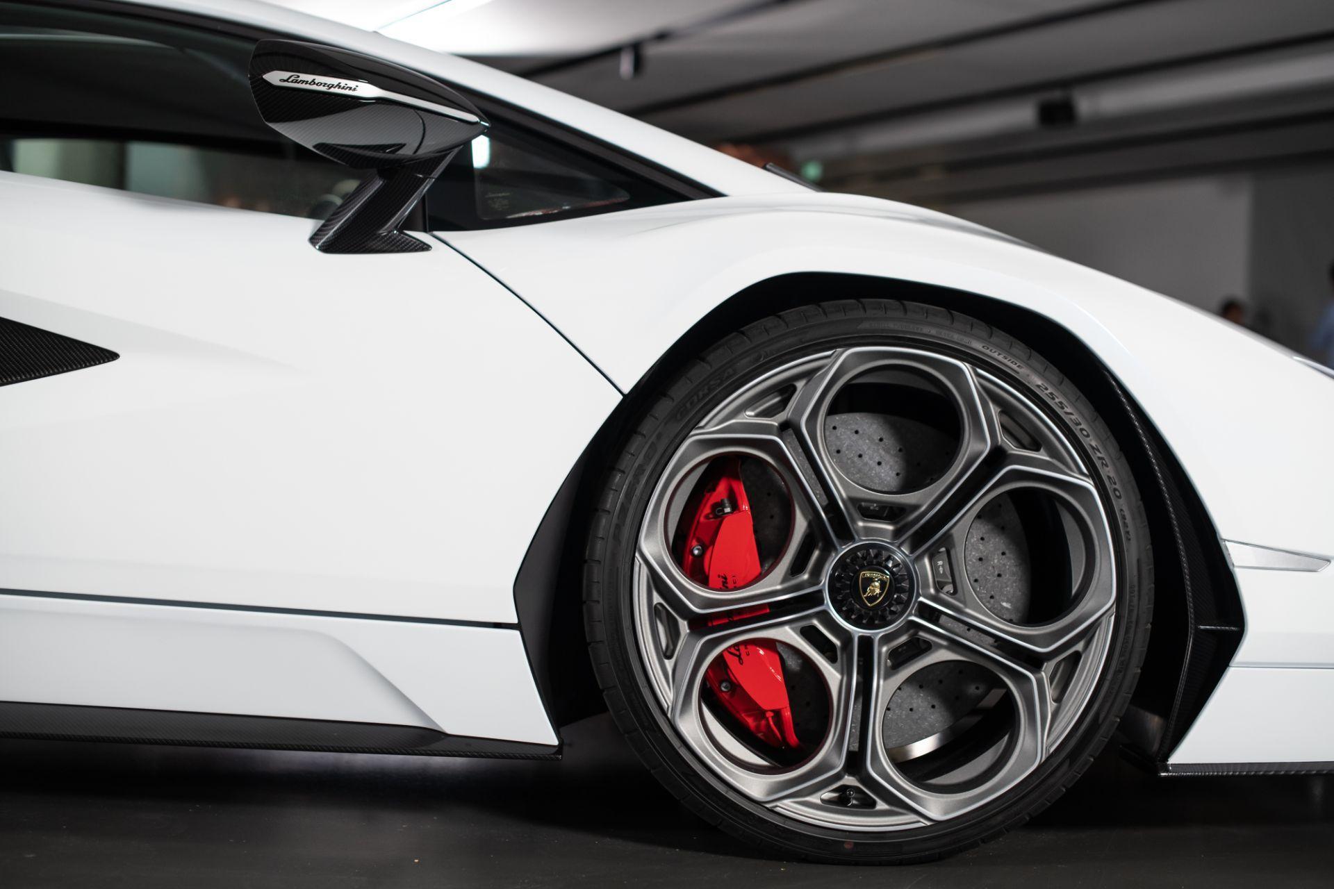 Lamborghini-Countach-LPI-800-4-48