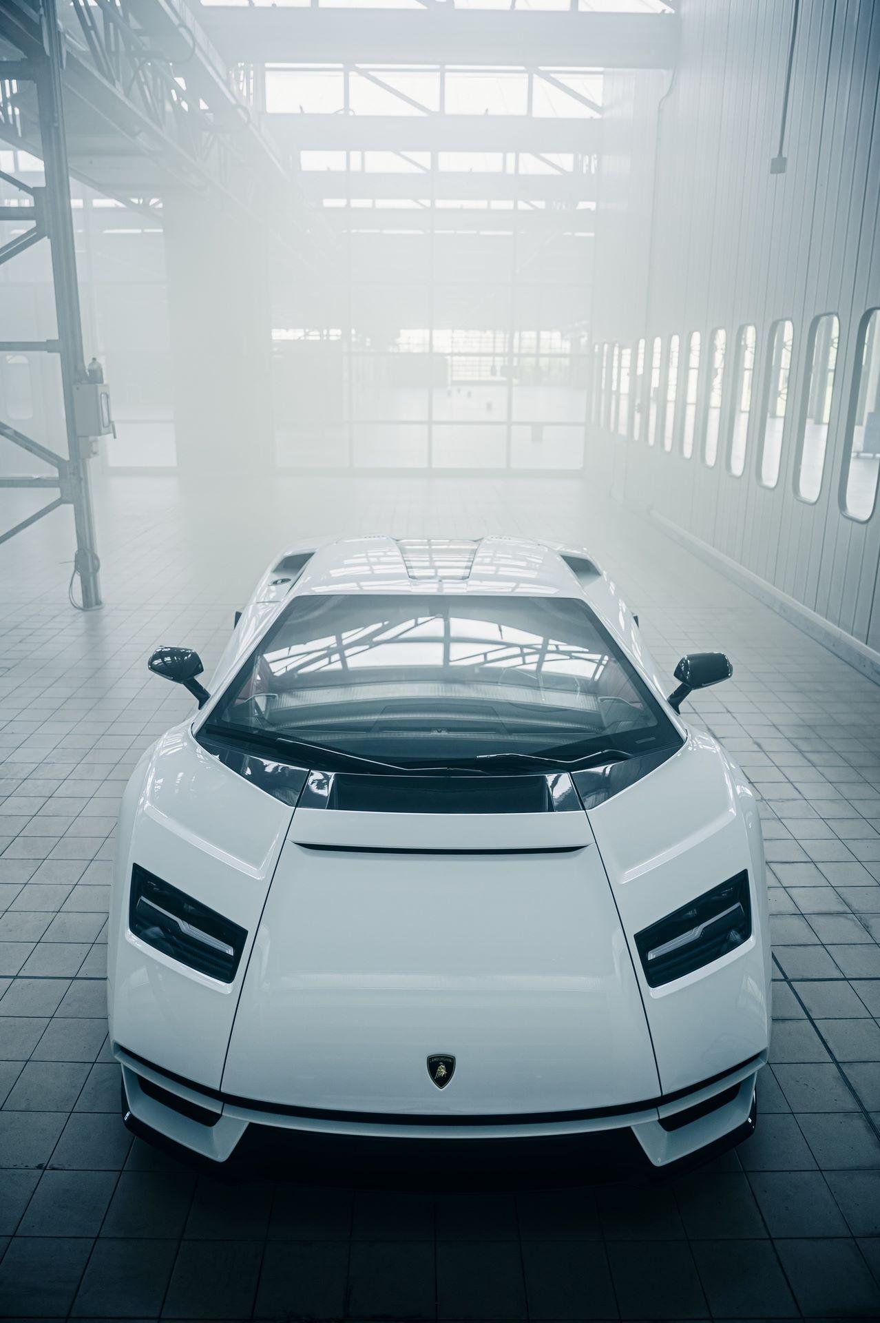 Lamborghini-Countach-LPI-800-4-49