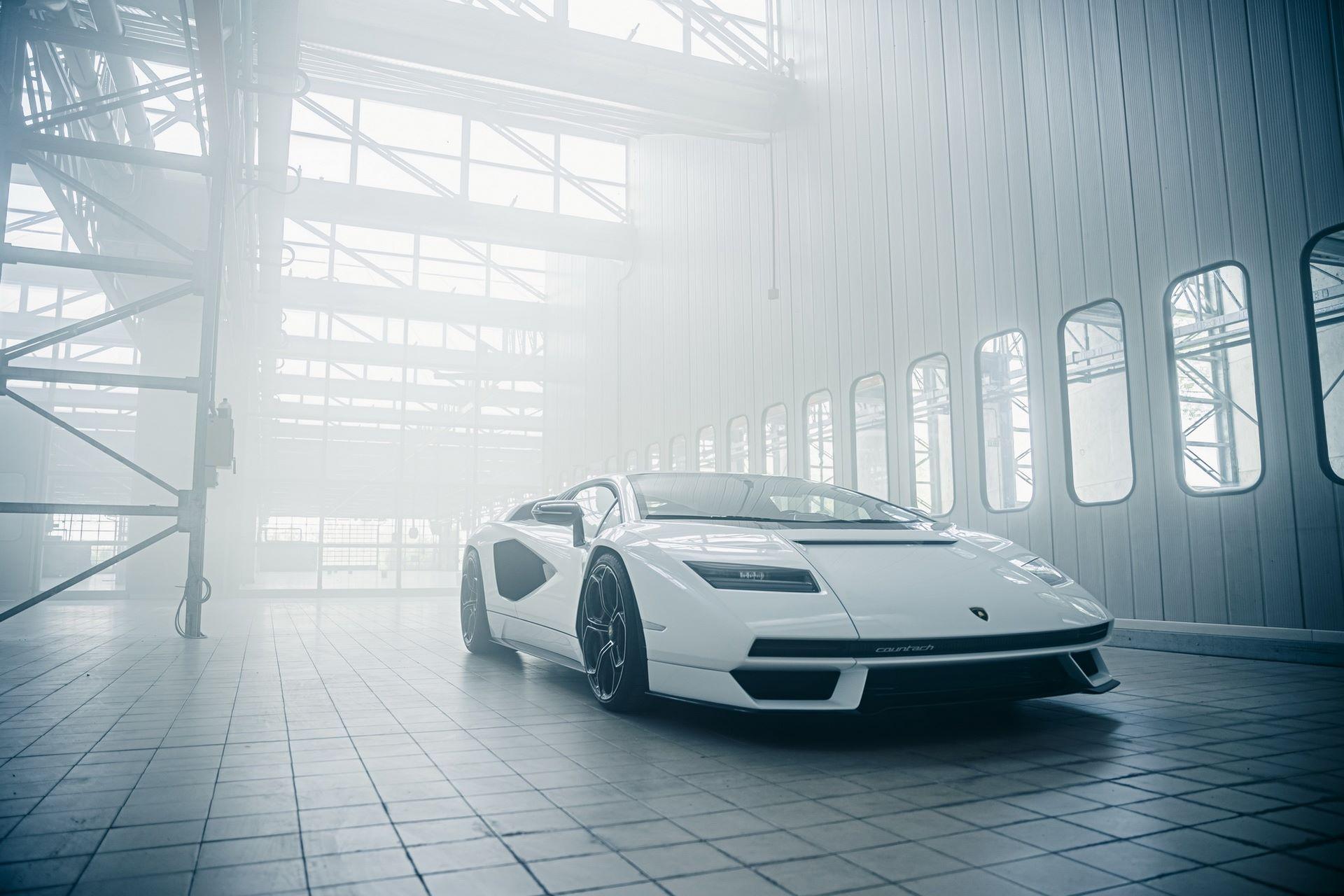 Lamborghini-Countach-LPI-800-4-51