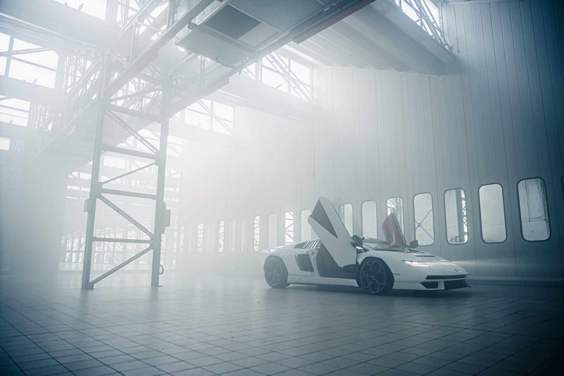 Lamborghini-Countach-LPI-800-4-52