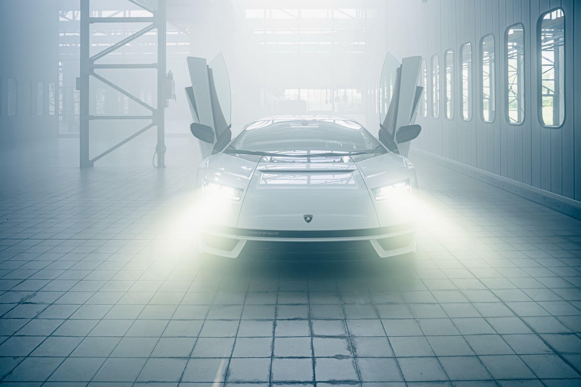 Lamborghini-Countach-LPI-800-4-53
