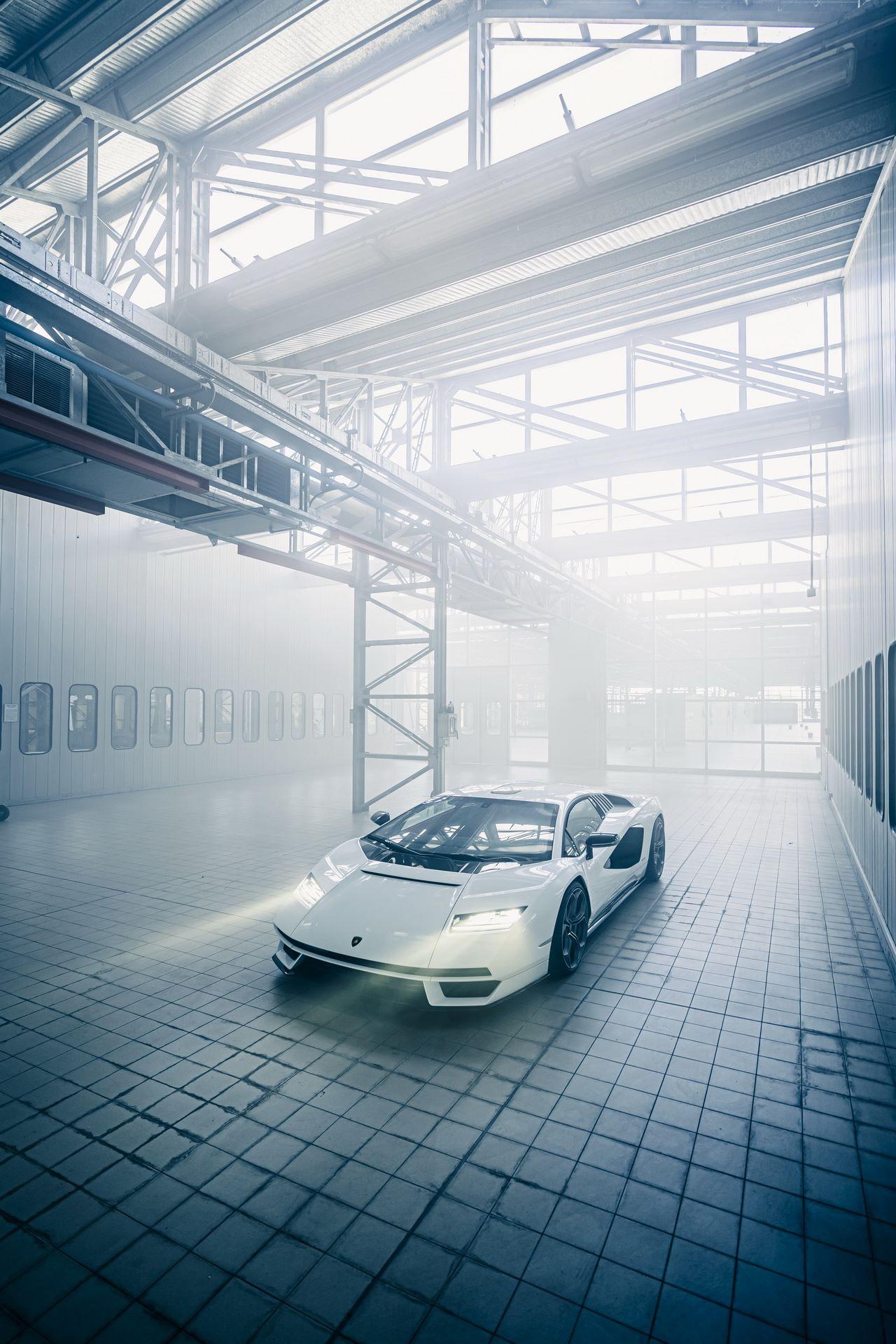 Lamborghini-Countach-LPI-800-4-56