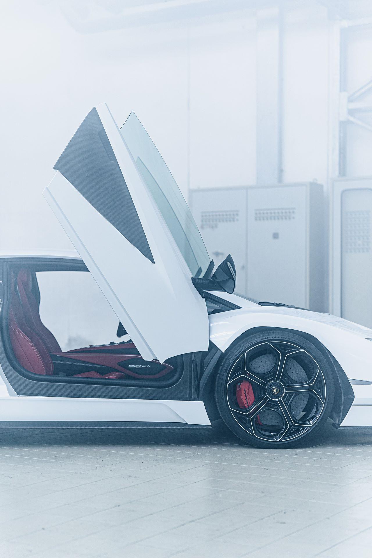 Lamborghini-Countach-LPI-800-4-57