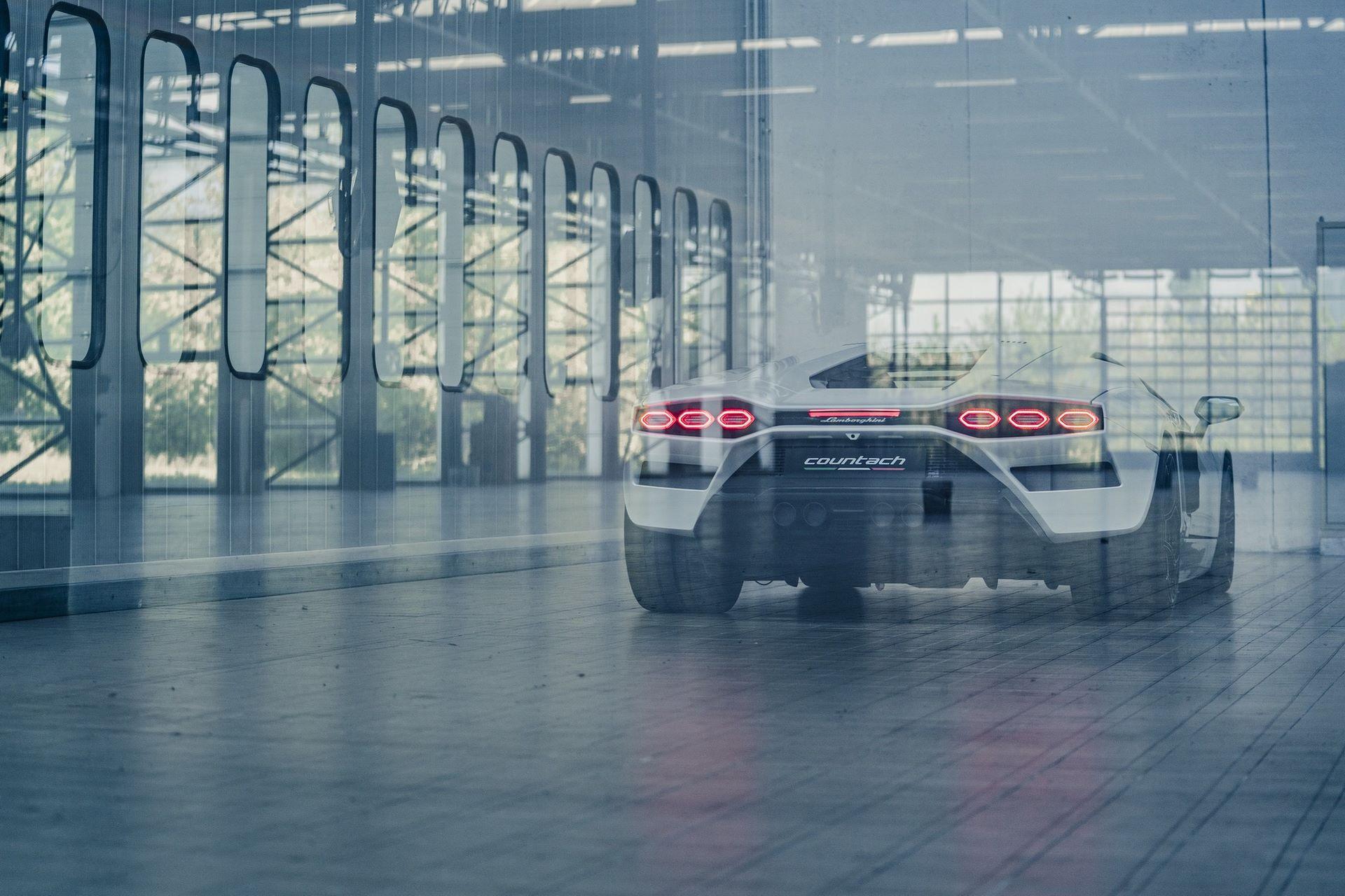Lamborghini-Countach-LPI-800-4-59