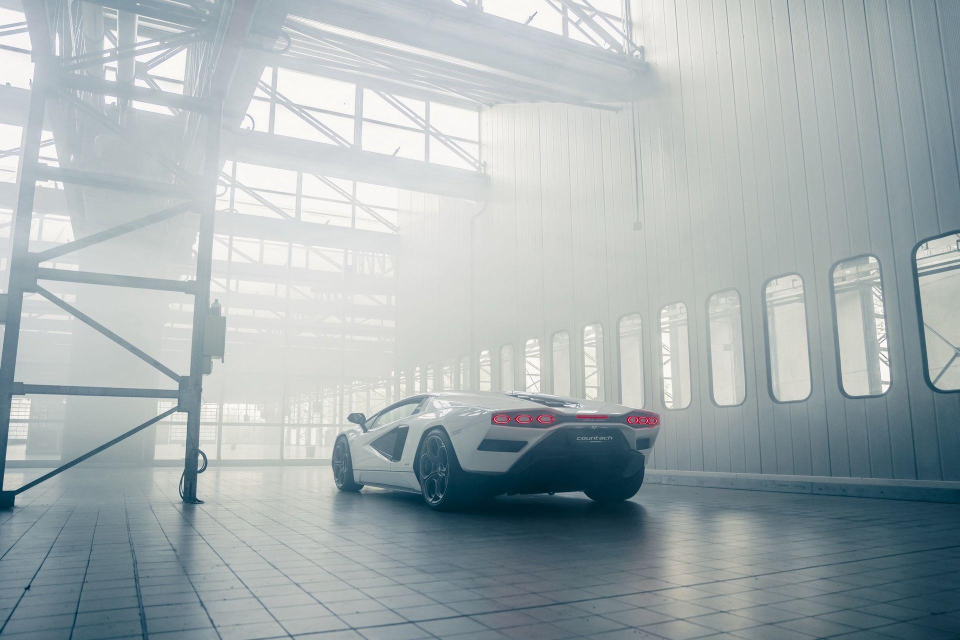 Lamborghini-Countach-LPI-800-4-62