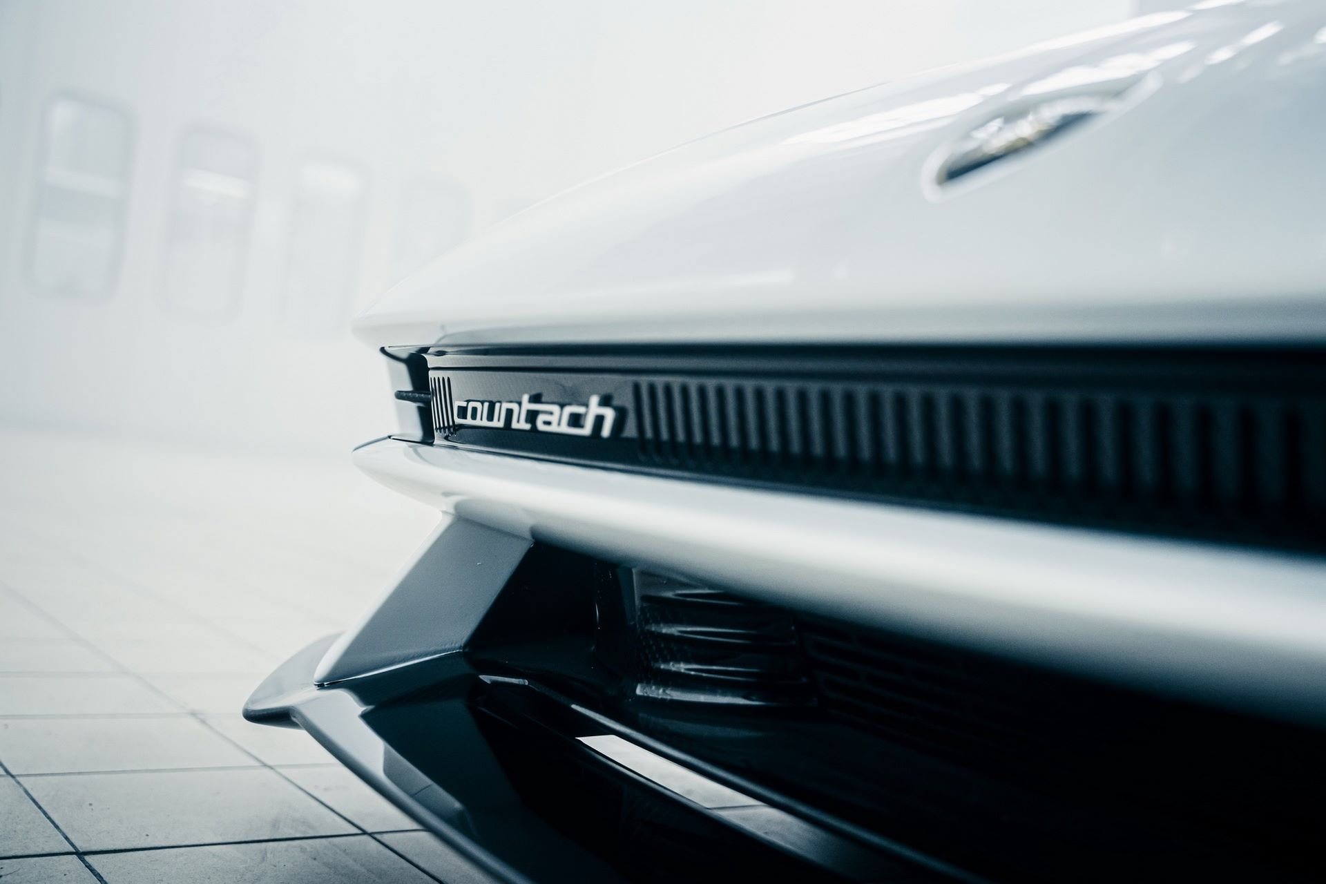 Lamborghini-Countach-LPI-800-4-66