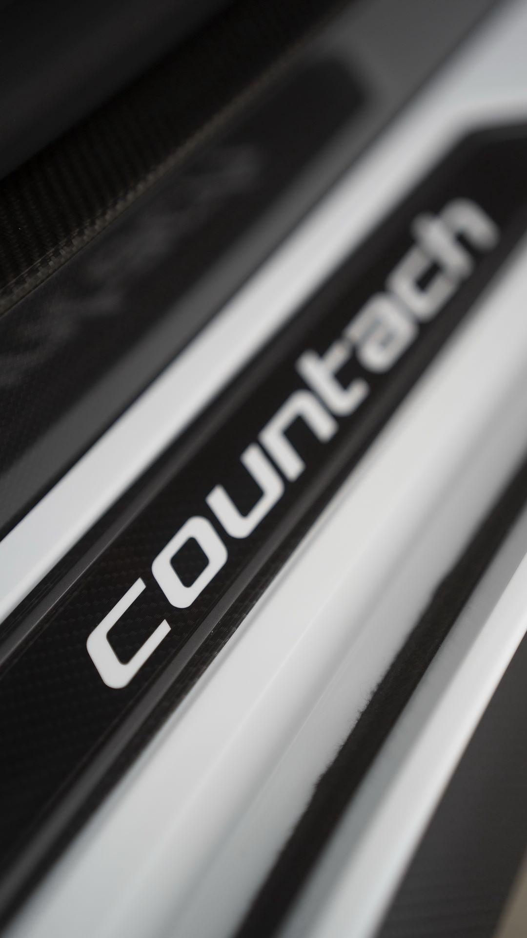 Lamborghini-Countach-LPI-800-4-70