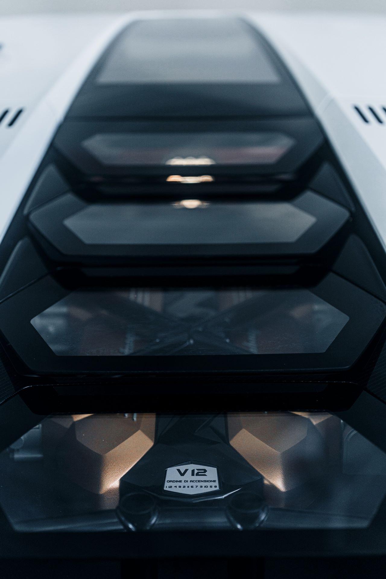 Lamborghini-Countach-LPI-800-4-73