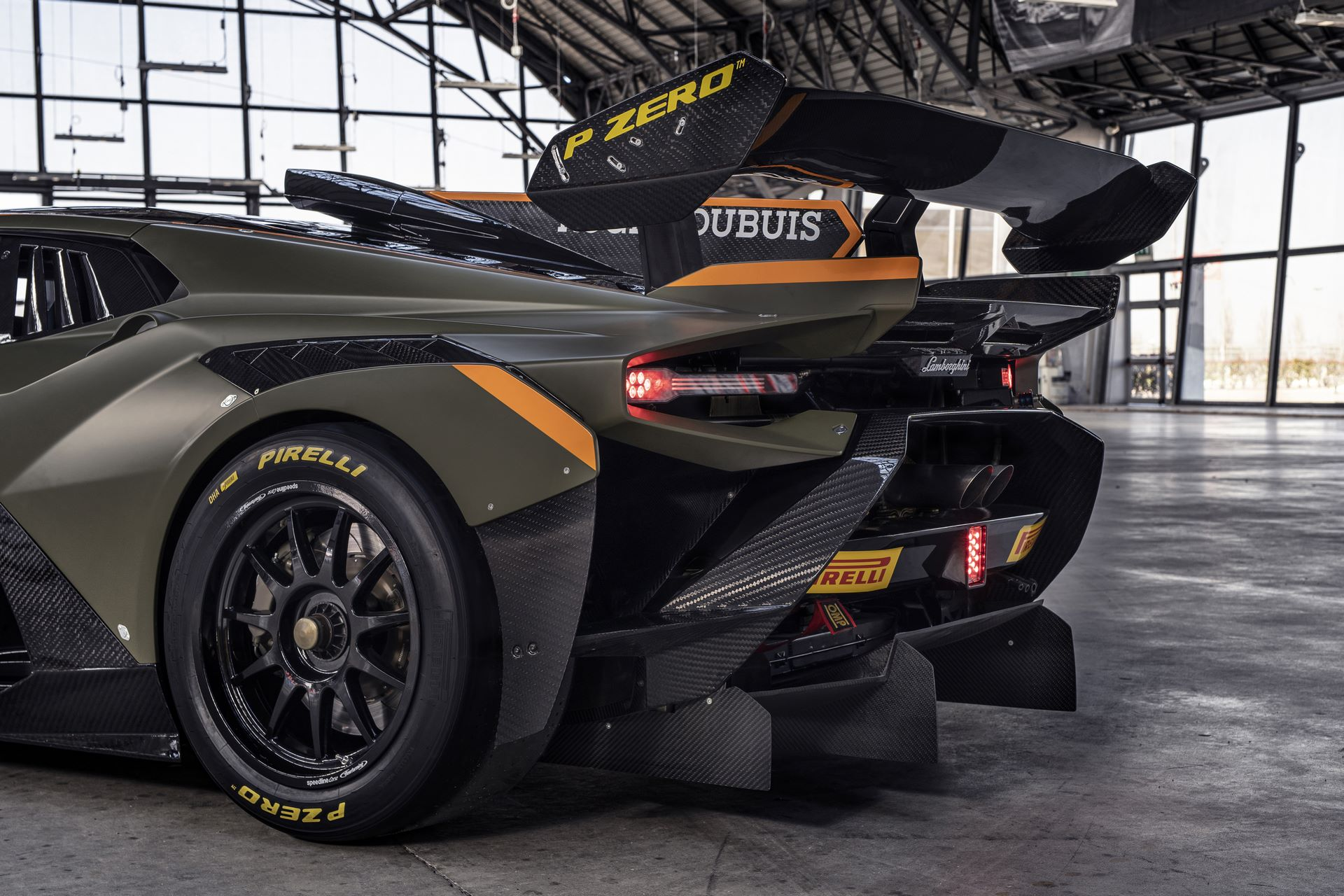 Lamborghini-Huracan-Super-Trofeo-EVO2-10