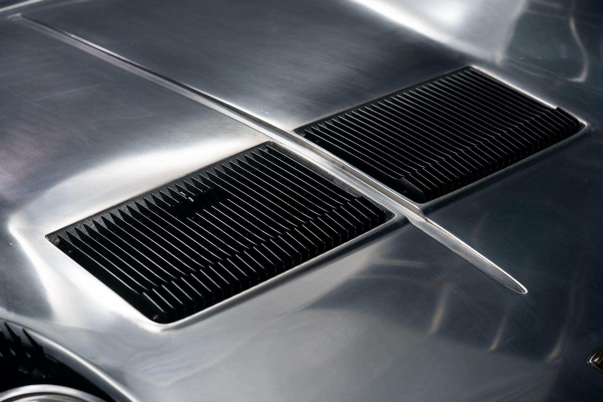 1971-Lamborghini-Miura-P400-S-by-Bertone_25