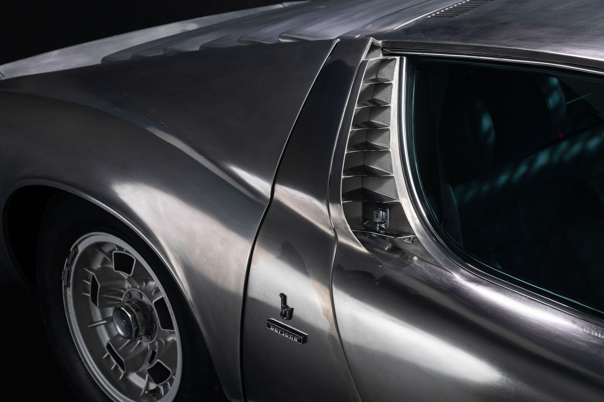 1971-Lamborghini-Miura-P400-S-by-Bertone_26
