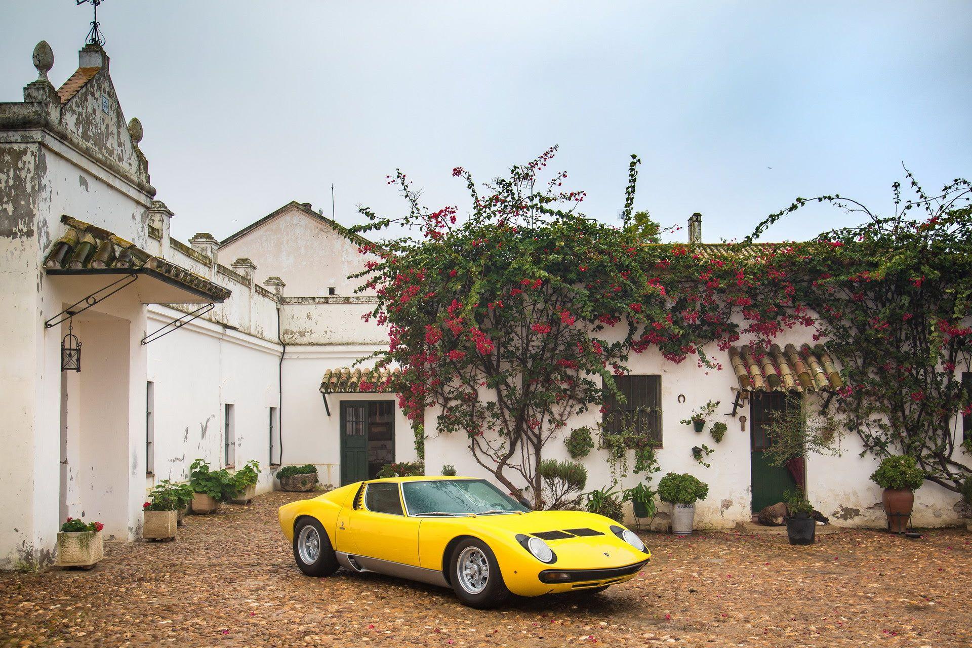 Lamborghini-Miura-SV-turns-50-3