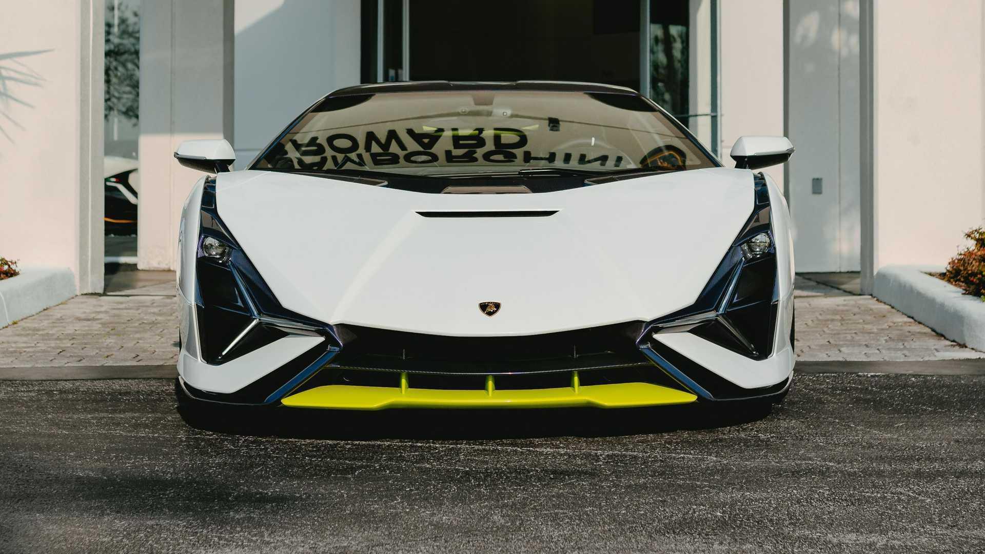 Lamborghini_Sian_Broward-0001