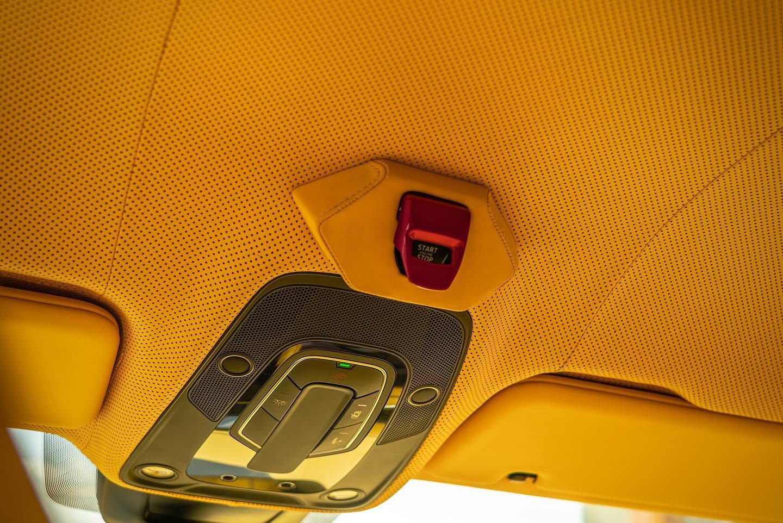 Lamborghini-Urus-Mansory-yellow-10