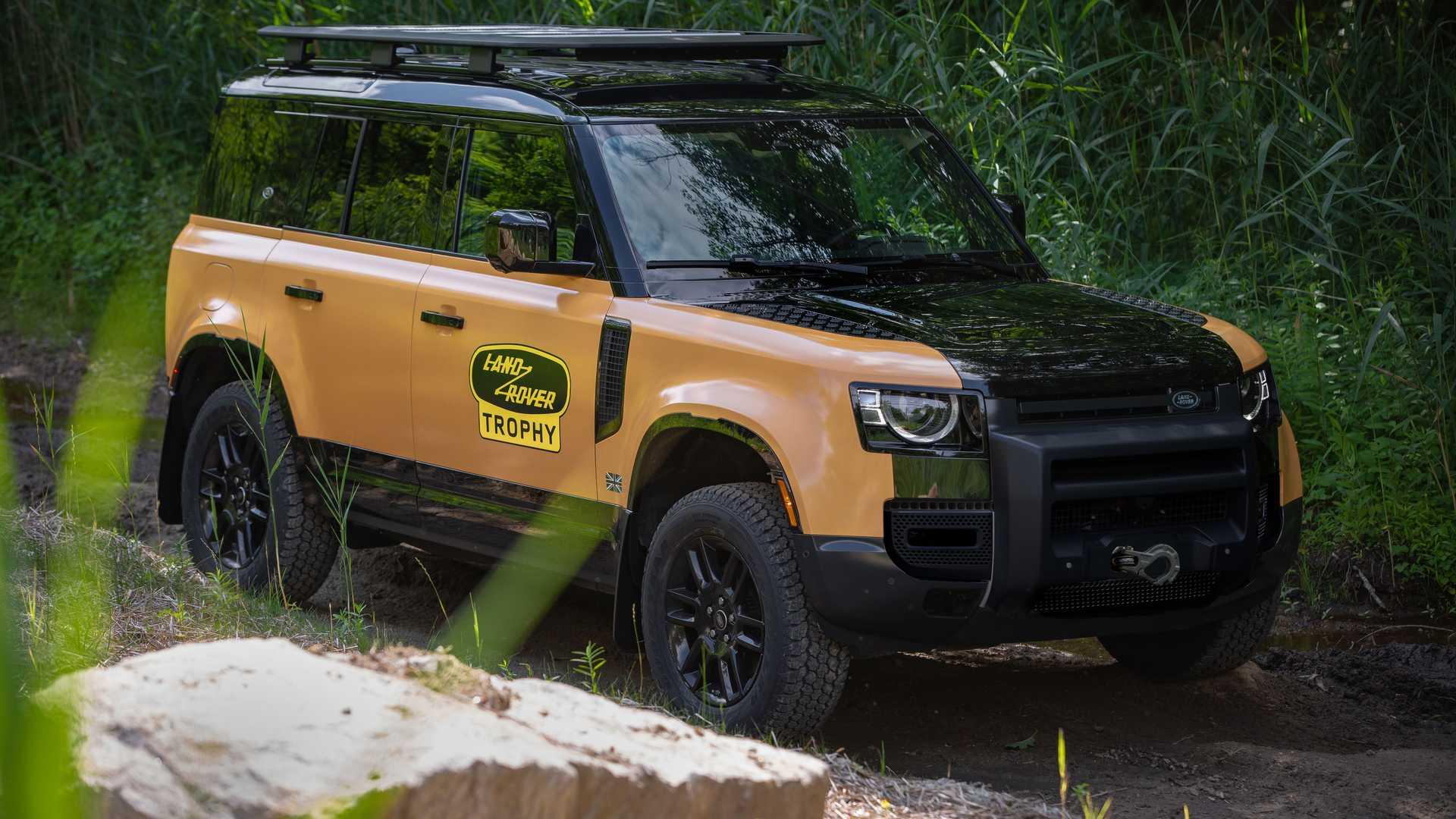 Land-Rover-Defender-Trophy-Edition-2