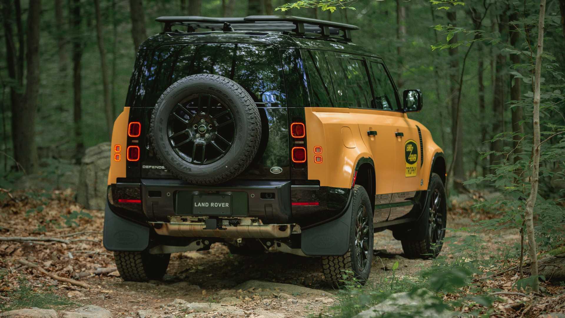 Land-Rover-Defender-Trophy-Edition-7