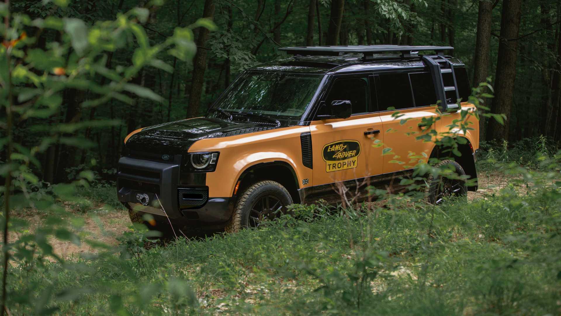 Land-Rover-Defender-Trophy-Edition-9