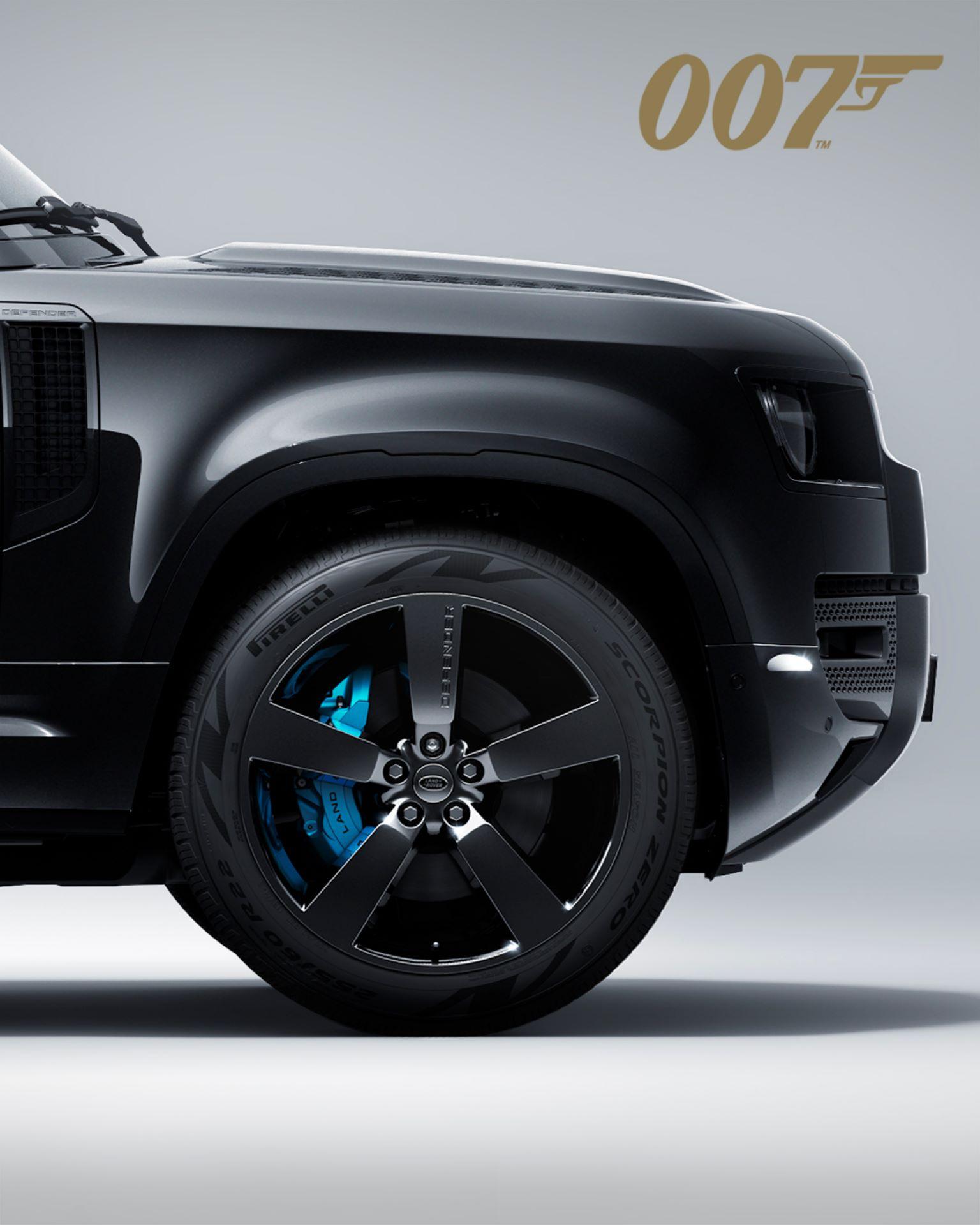 Land-Rover-Defender-V8-Bond-Edition-13