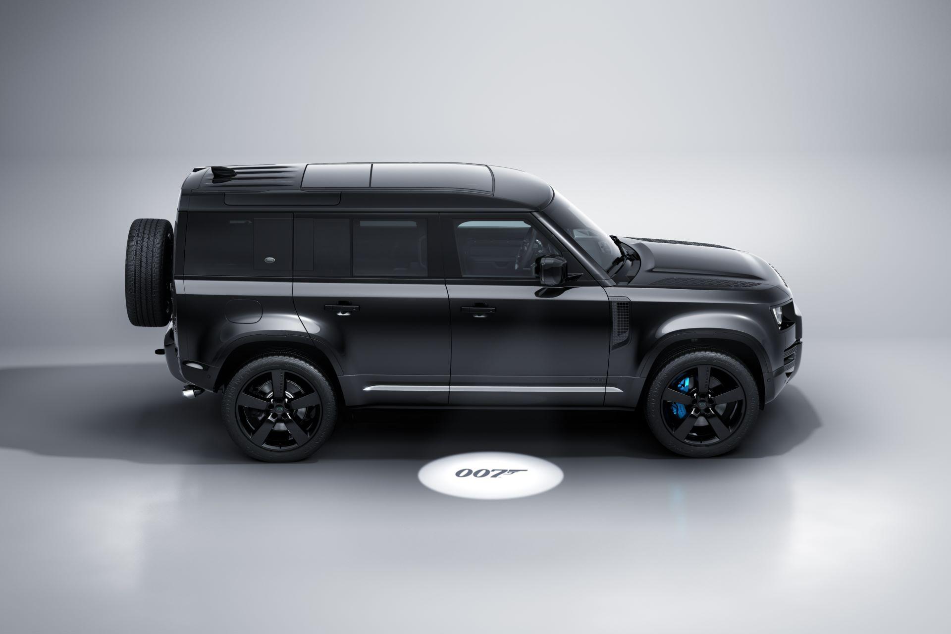 Land-Rover-Defender-V8-Bond-Edition-3