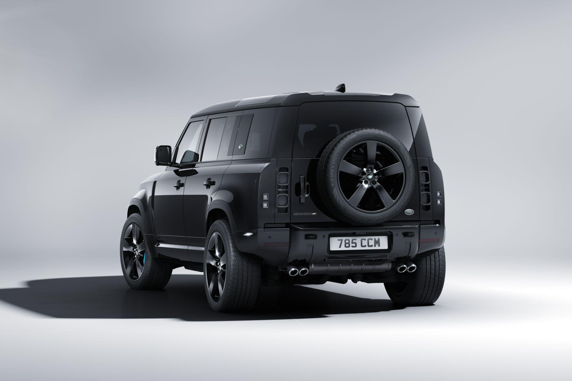 Land-Rover-Defender-V8-Bond-Edition-4