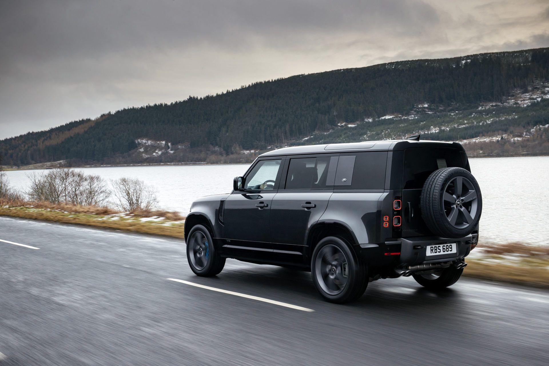 Land-Rover-Defender-V8-14