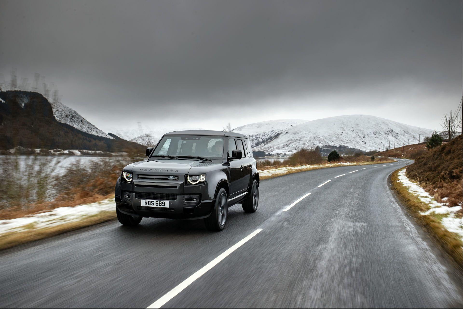 Land-Rover-Defender-V8-16