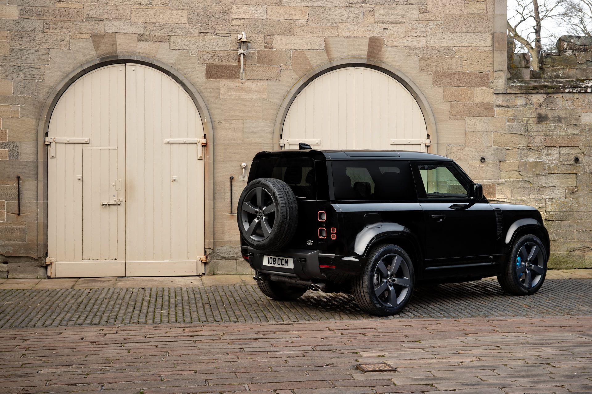 Land-Rover-Defender-V8-20