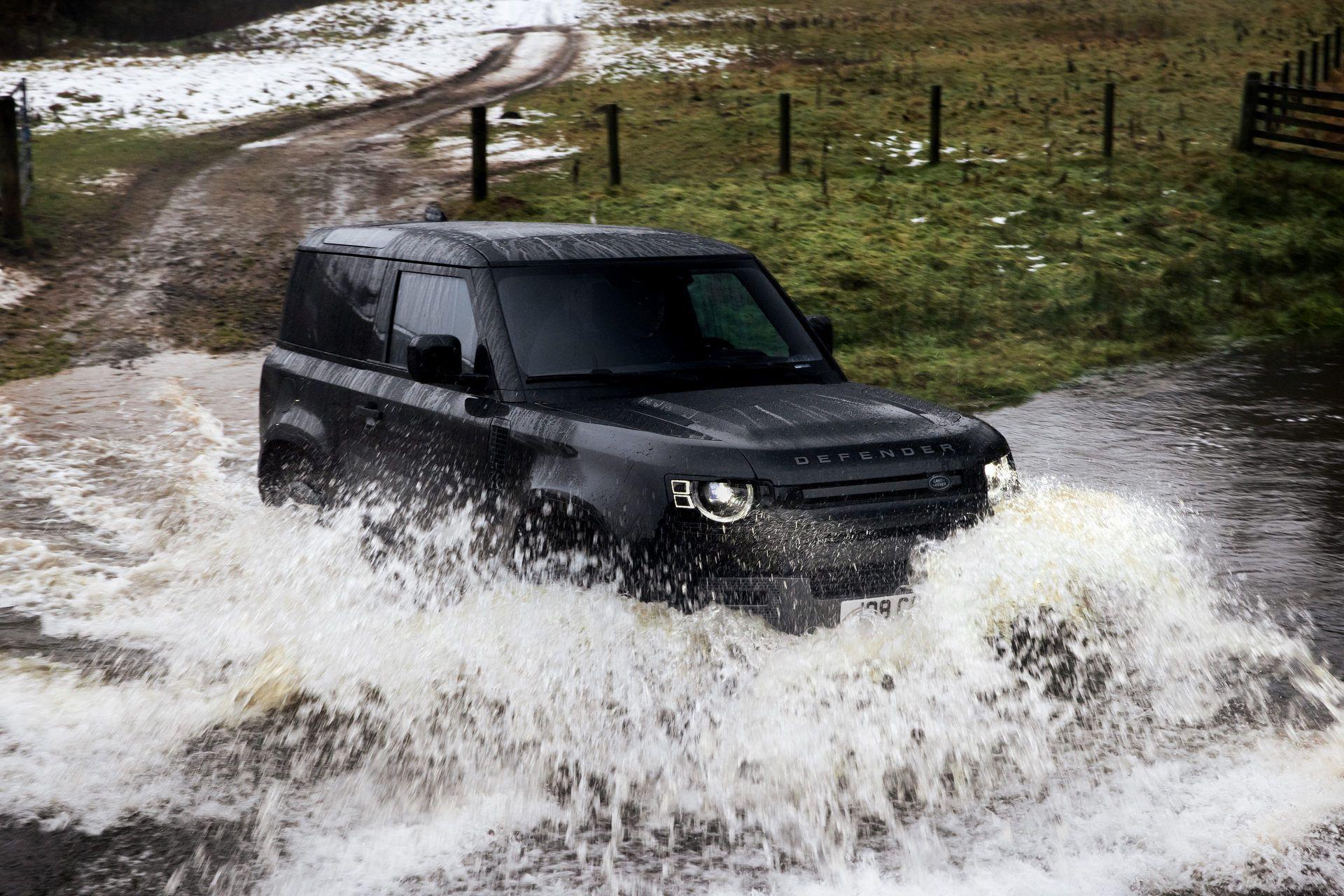 Land-Rover-Defender-V8-25