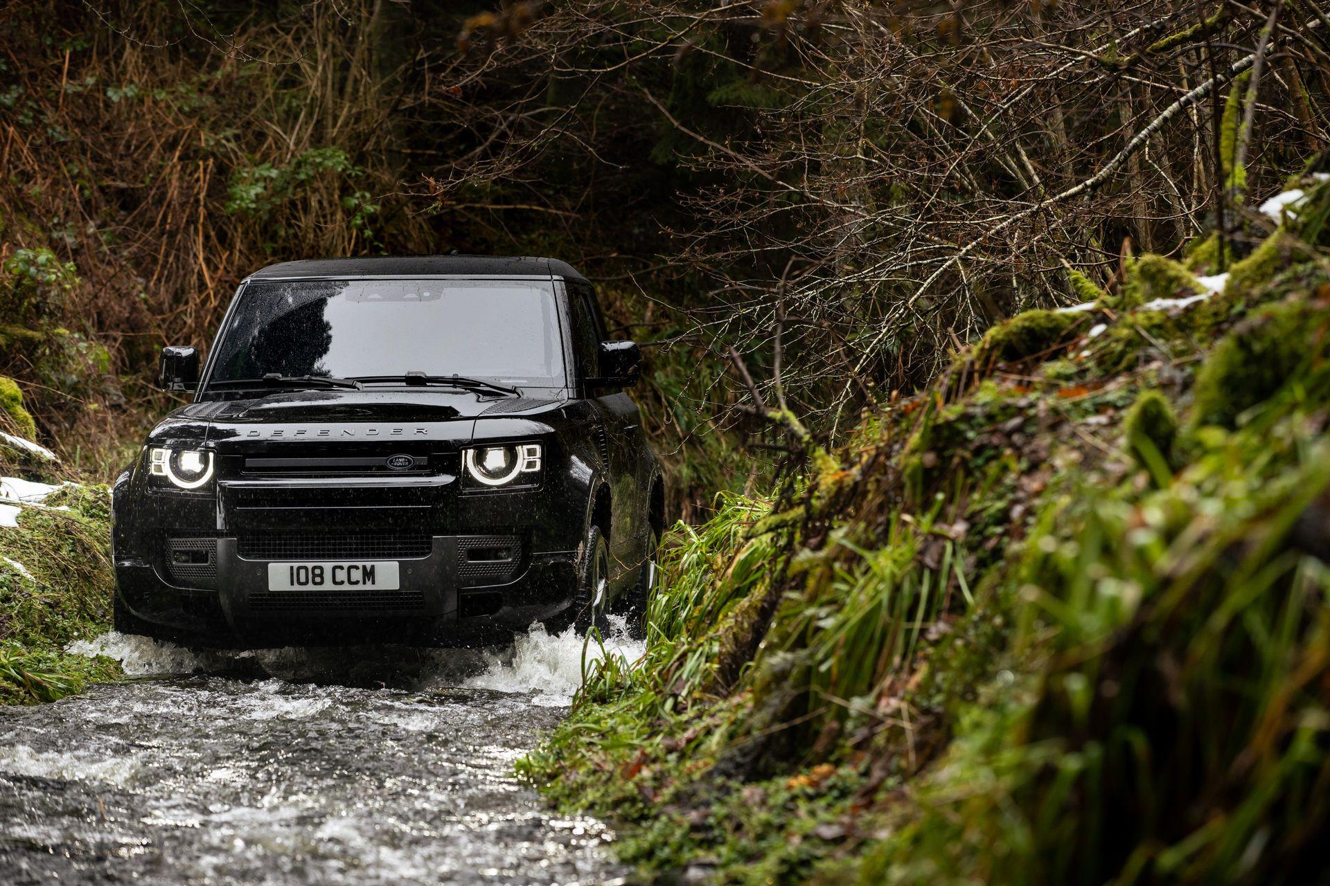 Land-Rover-Defender-V8-26