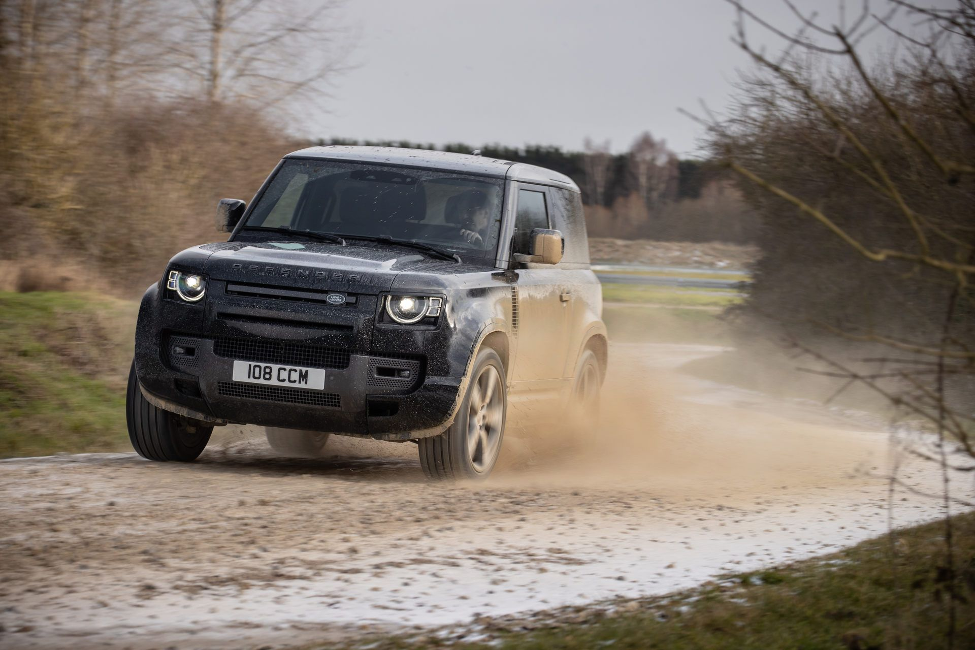 Land-Rover-Defender-V8-29