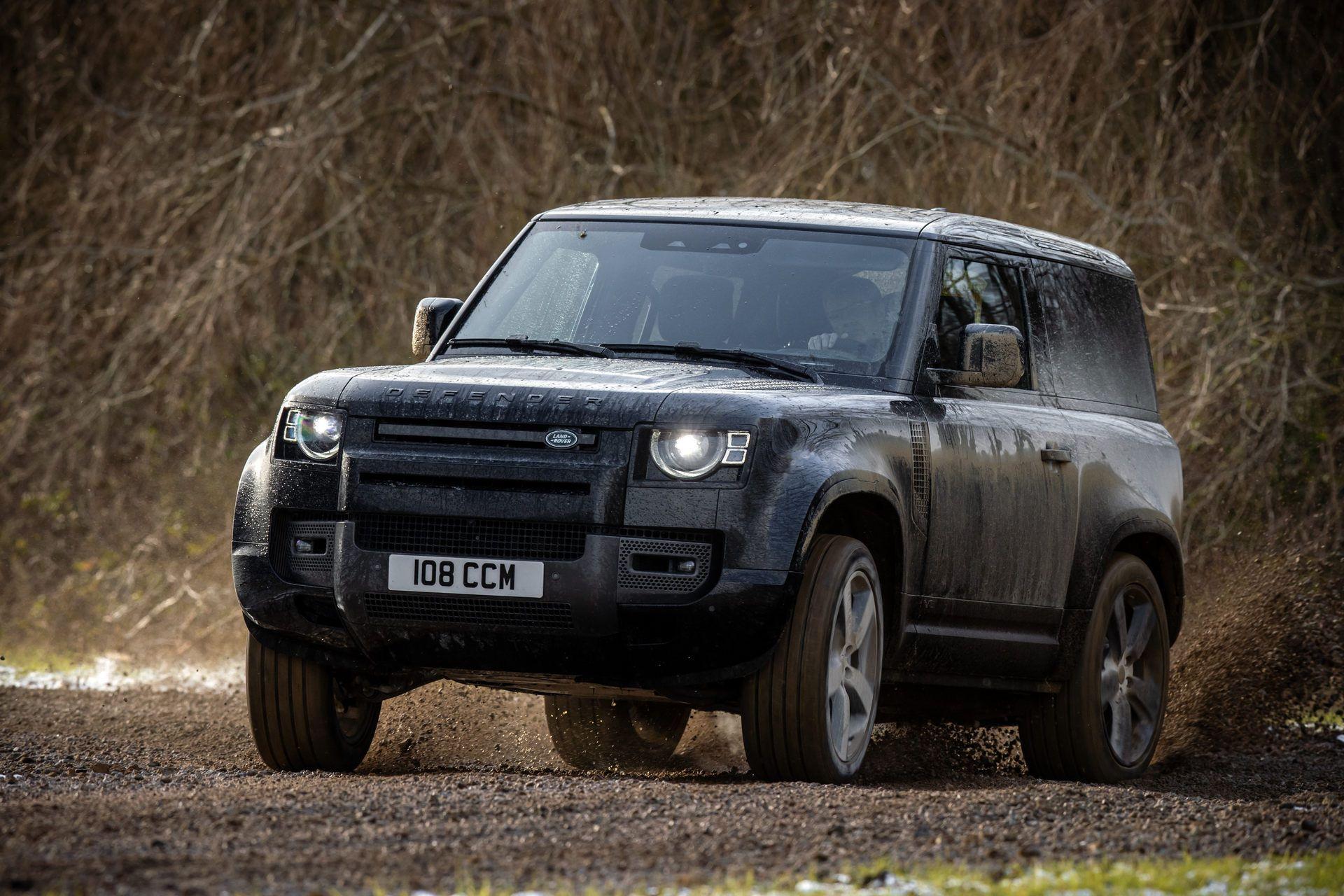 Land-Rover-Defender-V8-30
