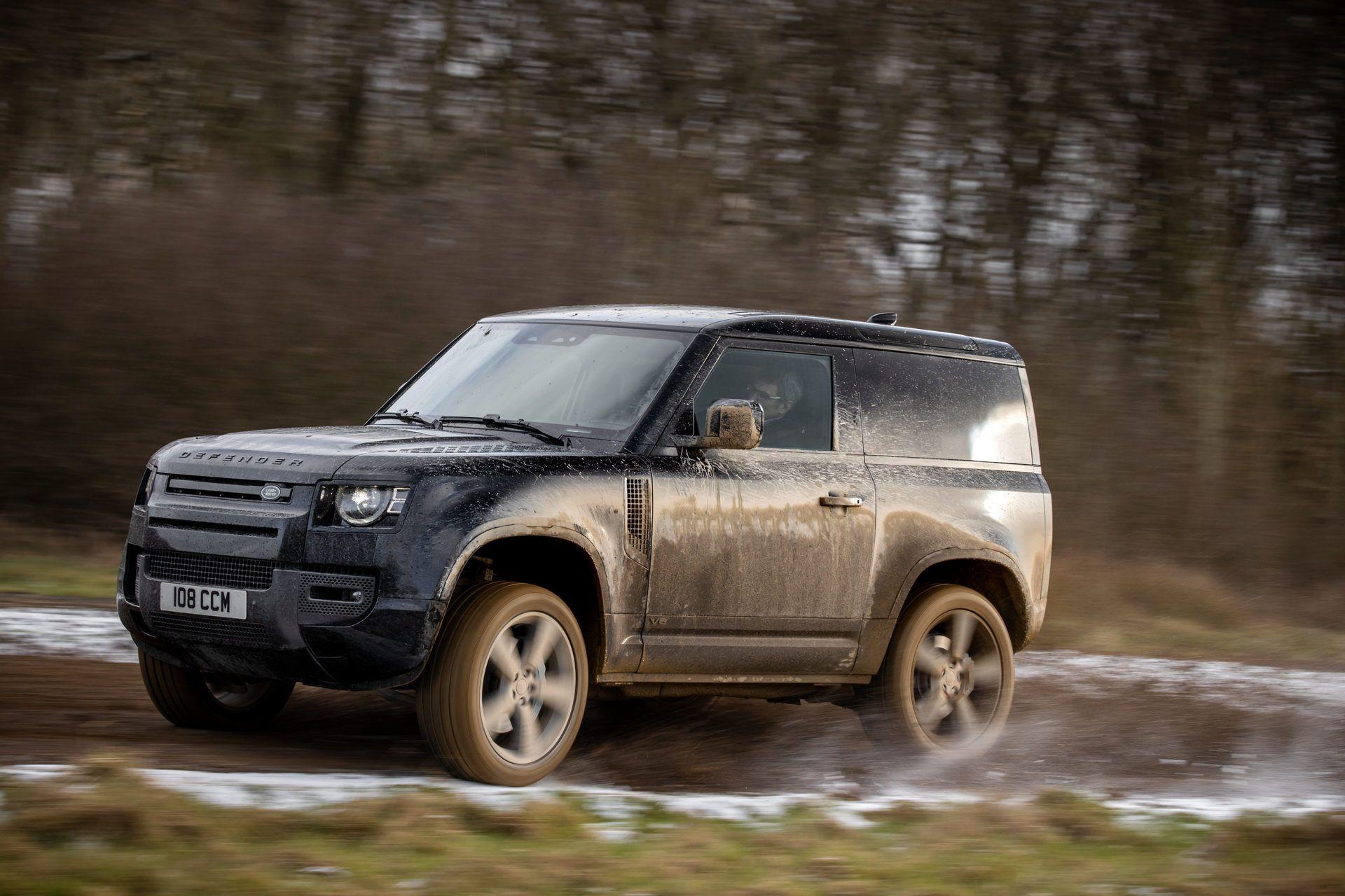 Land-Rover-Defender-V8-31