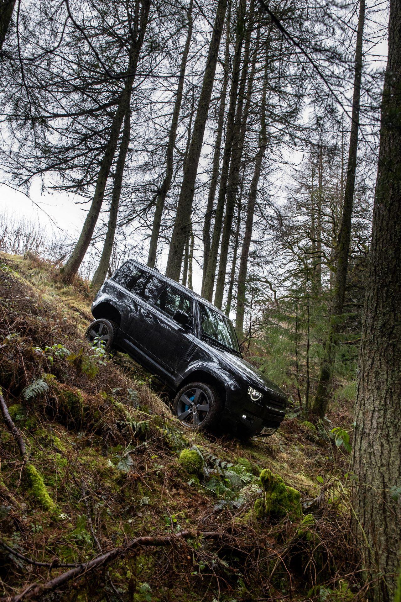Land-Rover-Defender-V8-33