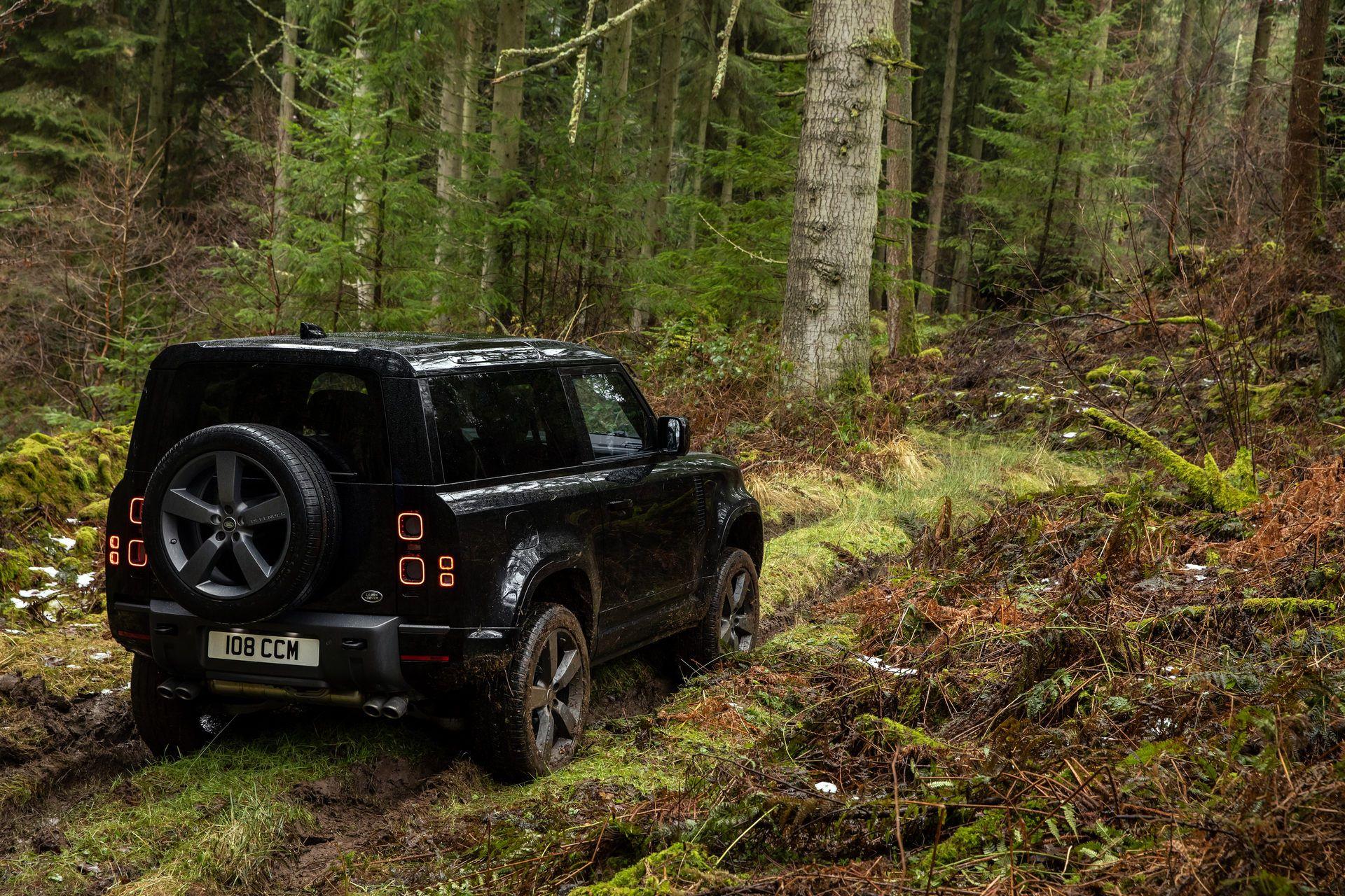 Land-Rover-Defender-V8-34