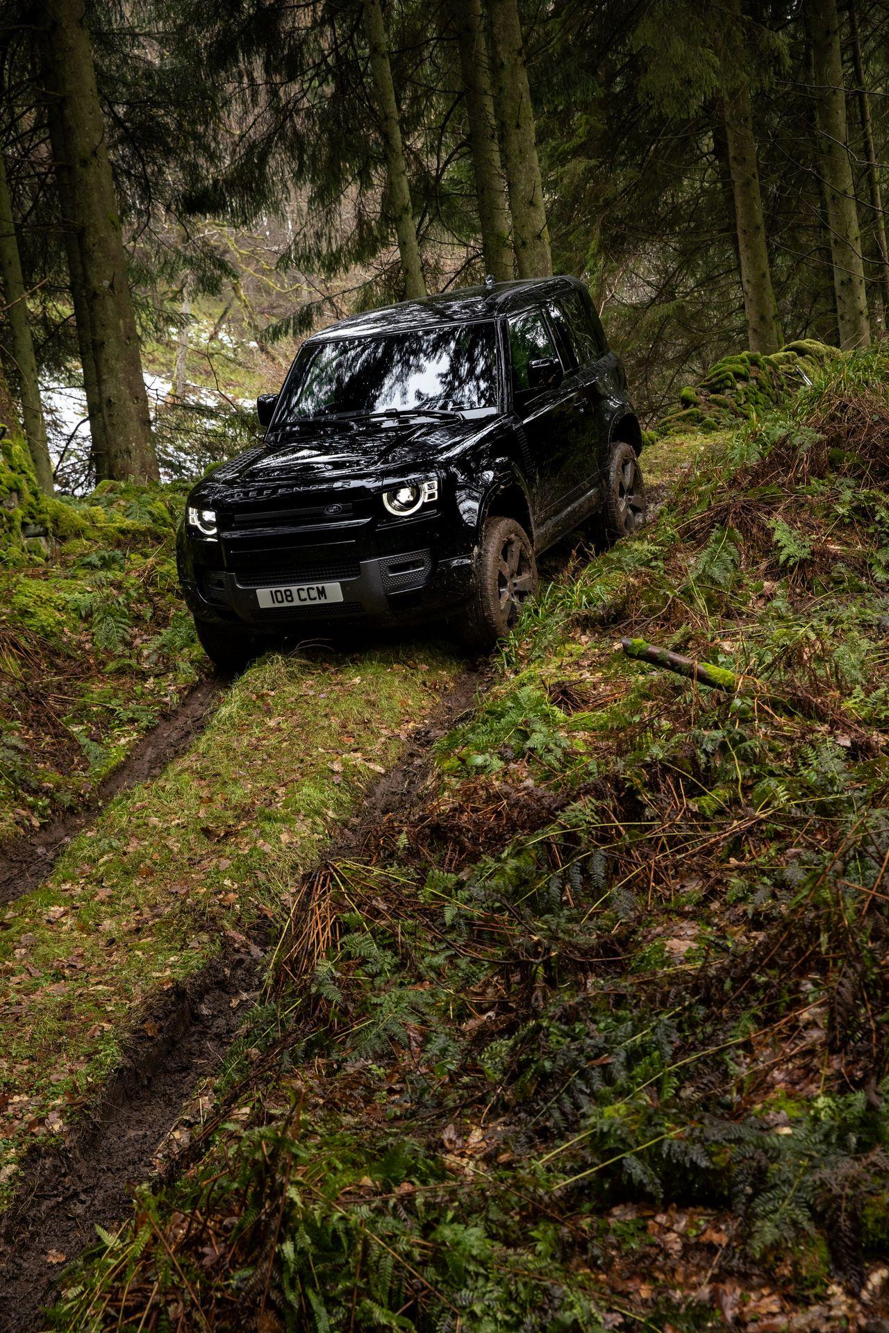 Land-Rover-Defender-V8-35