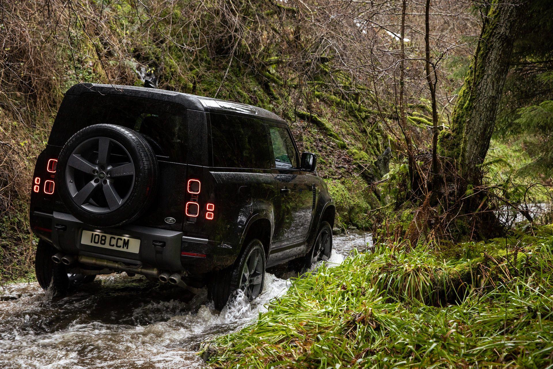 Land-Rover-Defender-V8-36