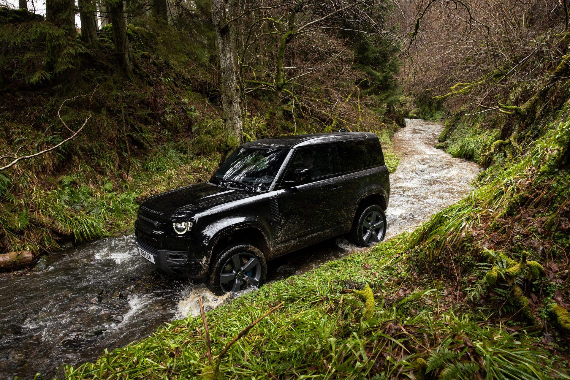 Land-Rover-Defender-V8-37