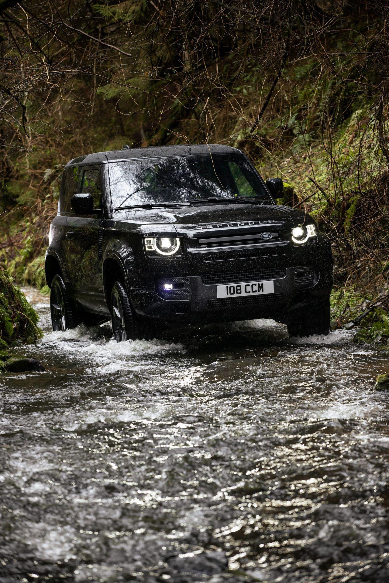 Land-Rover-Defender-V8-38