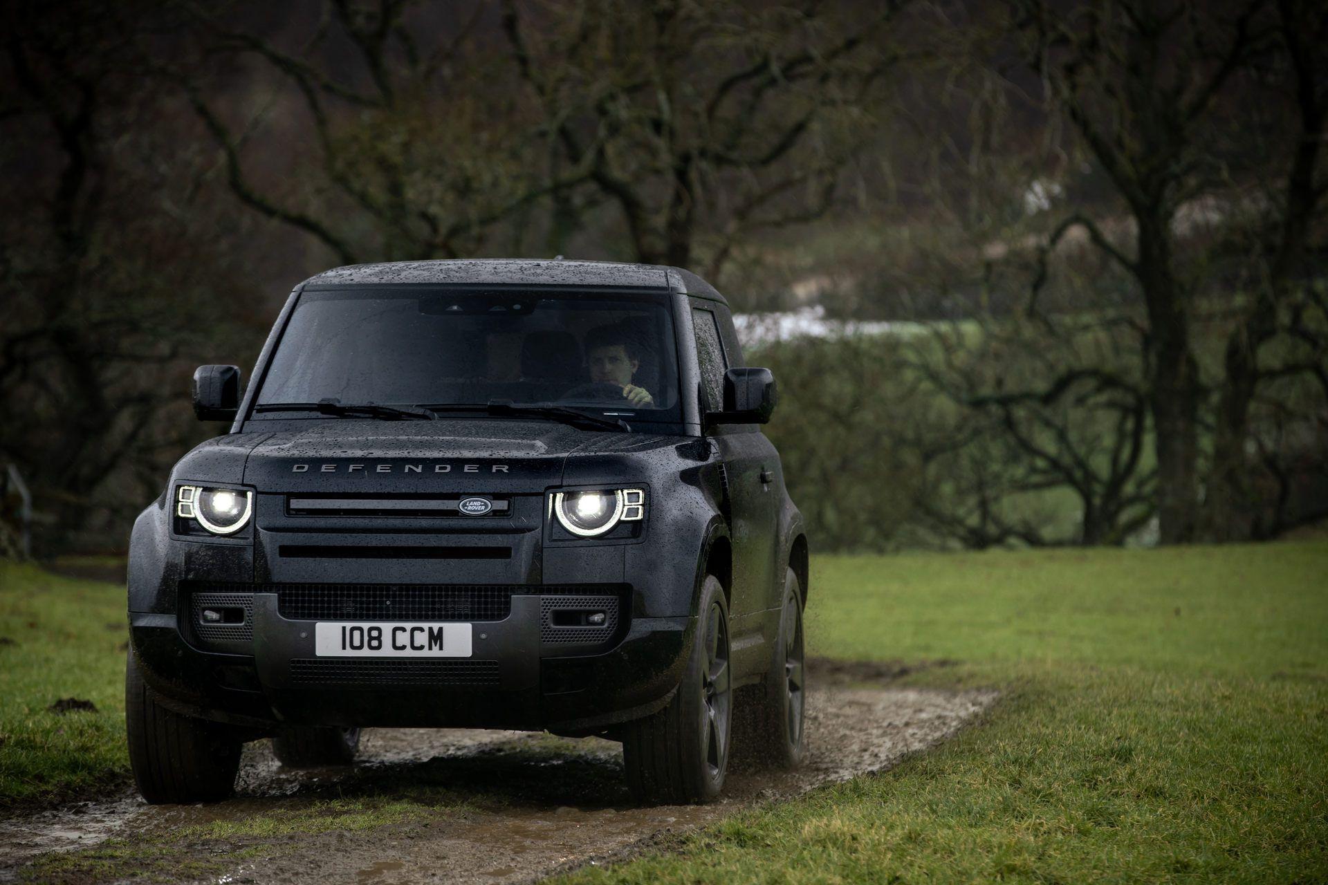 Land-Rover-Defender-V8-39