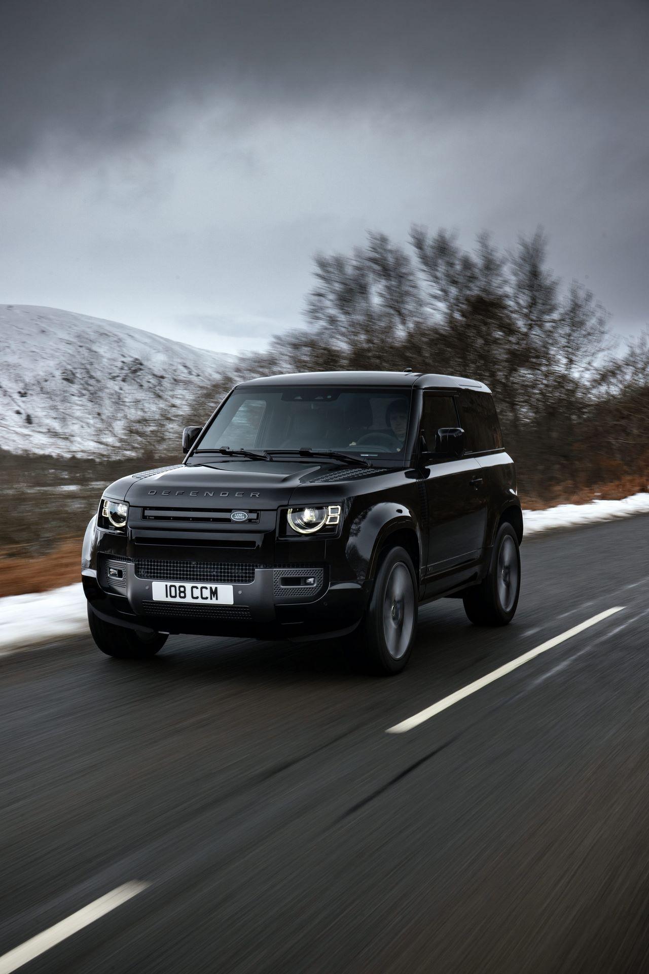 Land-Rover-Defender-V8-41