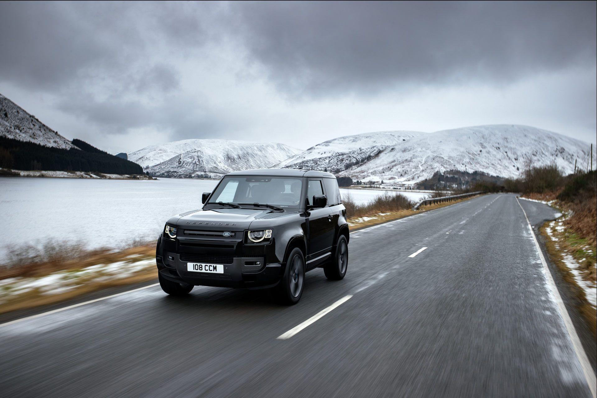 Land-Rover-Defender-V8-43
