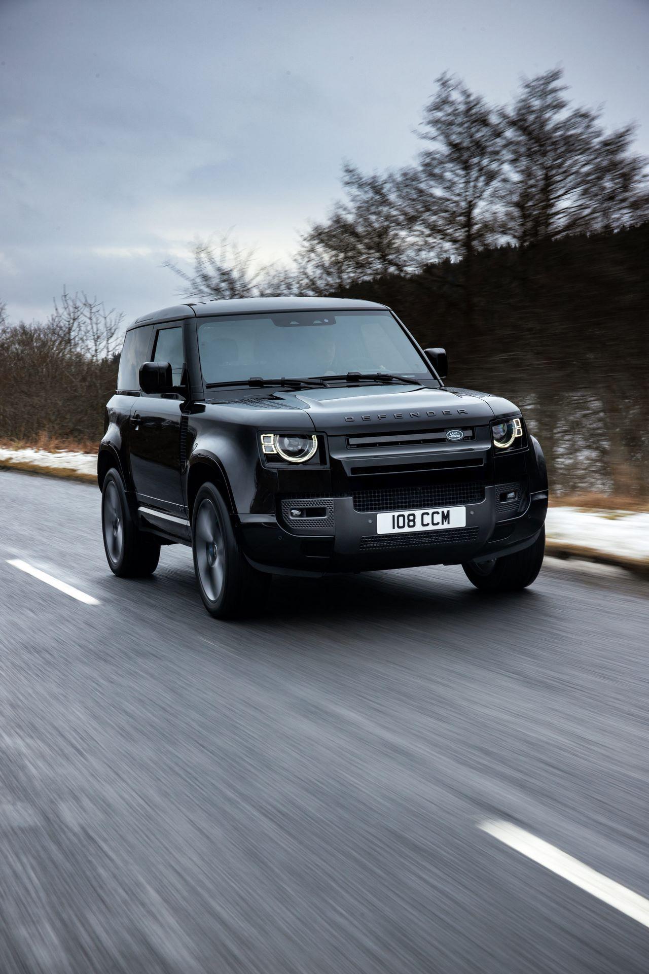 Land-Rover-Defender-V8-45
