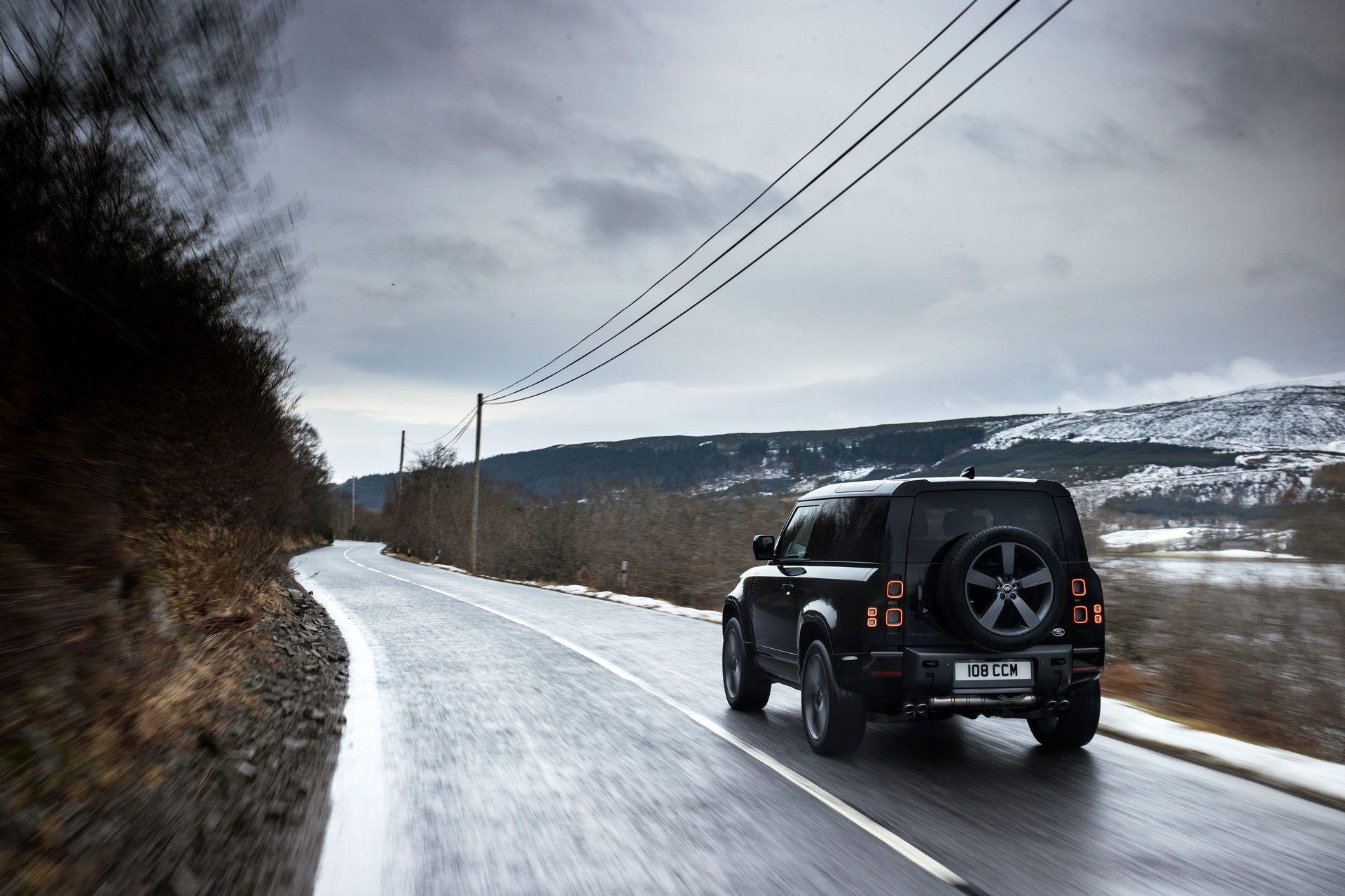 Land-Rover-Defender-V8-46