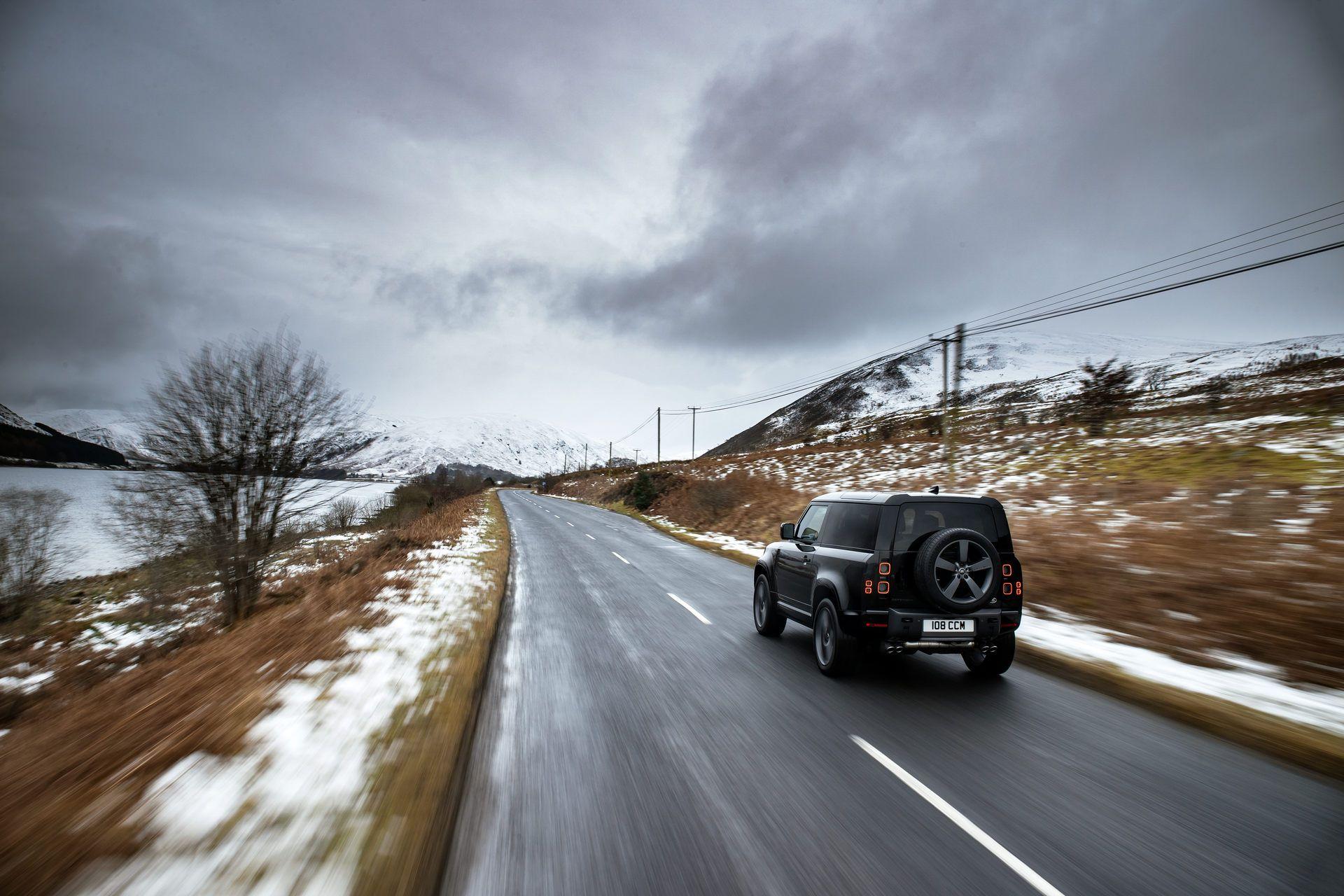 Land-Rover-Defender-V8-47